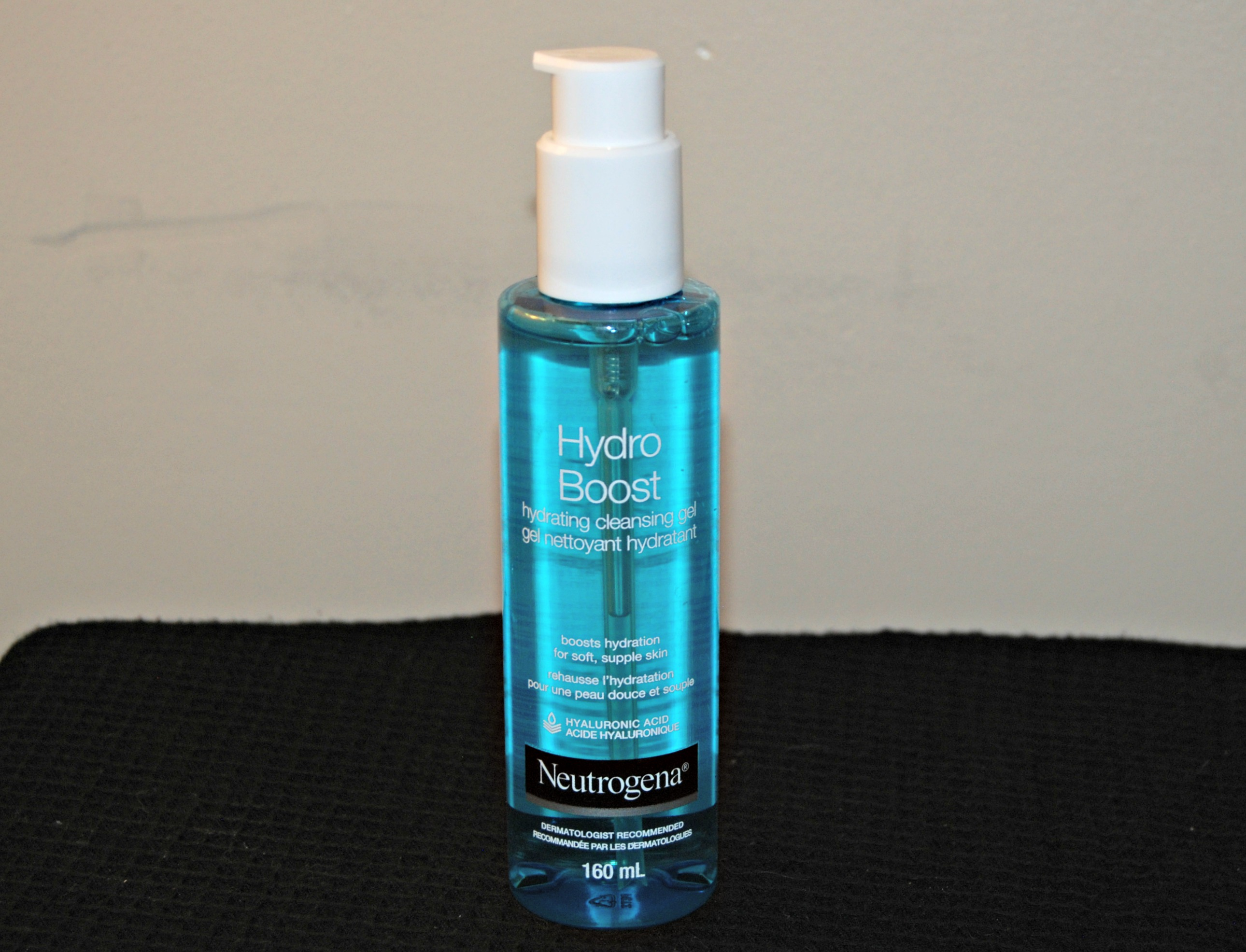 Hydro Boost Hydrating Cleansing Gel & Oil-Free Makeup Remover by Neutrogena #9