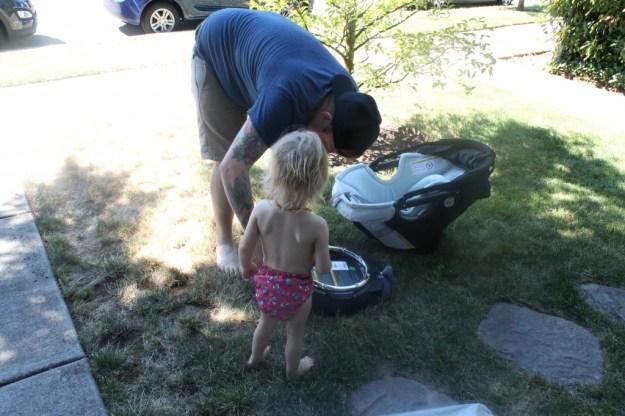 Orbit Baby- Edith & Daddy Inspecting