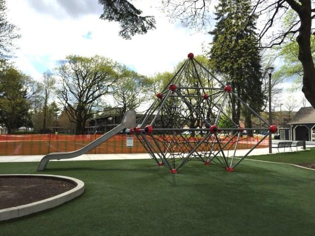 Portland Area Parks - Dawson Park - Slide