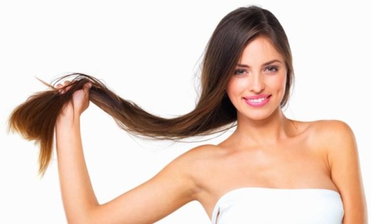 ragazza con capelli lunghi