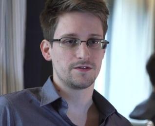 https://i1.wp.com/www.naturalnews.com/gallery/articles/Edward-Snowden-NSA-spy-scandal.jpg