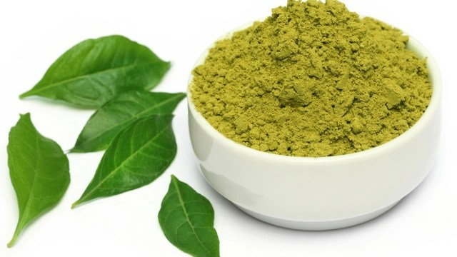 How-to-Prevent-Grey-Hair-with-Mustard-Seed-Oil-and-Henna