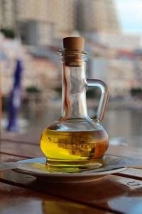 carafe-olive-oil