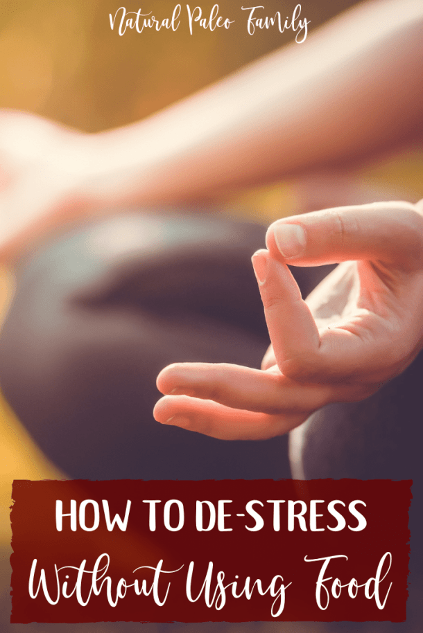 It's no surprise that the holidays bring around the greatest stress for most Americans. So how do you learn to de-stress without using food to ease your anxiety? #healthyliving #stresseating #meditation #calmingroutines