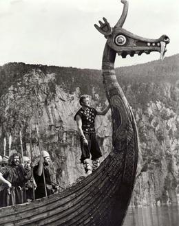 Kirk Douglas in The Vikings