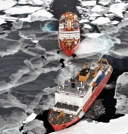 The icebreakers Louis S. St-Laurent (top) and Healy are taking part in a multi-year international Arctic survey to map the Arctic continental shelf.