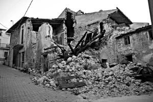 L'Aquila house ruin