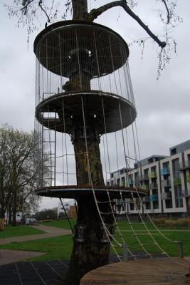 Arundel Square Treehouse (c) Monkey-Do CIC