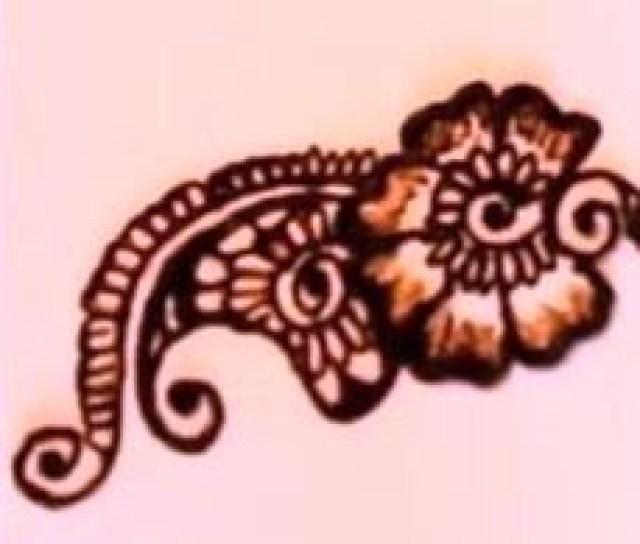 temporary Tattoo with henna paste