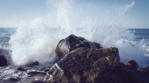 wave-613023_640