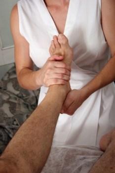 Lenguaje de los pies: Cómo tratarlos e interpetrar sus posturas