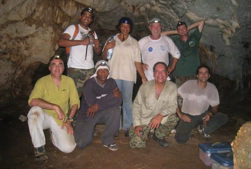 The Curaçao team together with bat specialists (picture: Jafet M. Nassar)