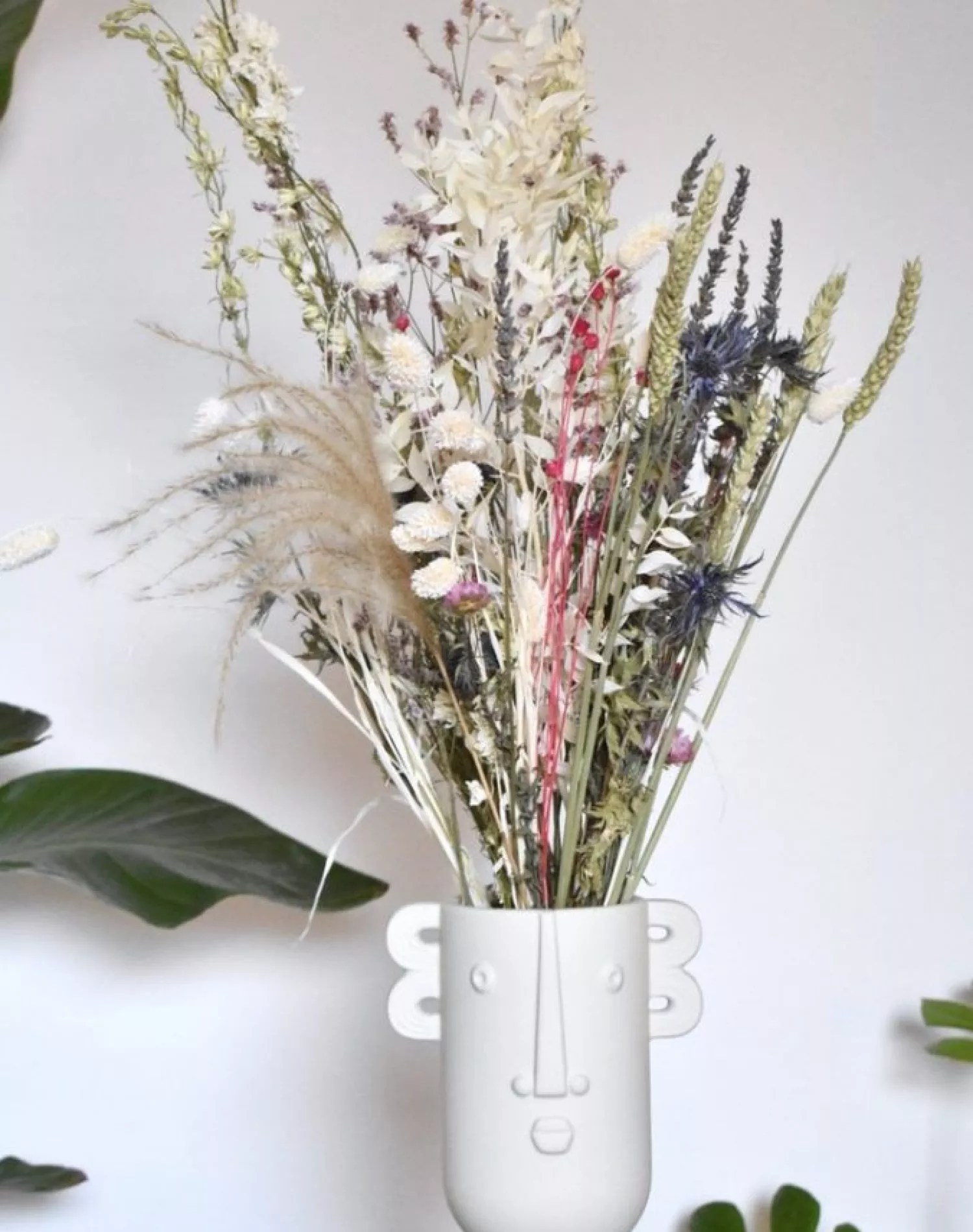 pastel droogbloemen boeket met vaas