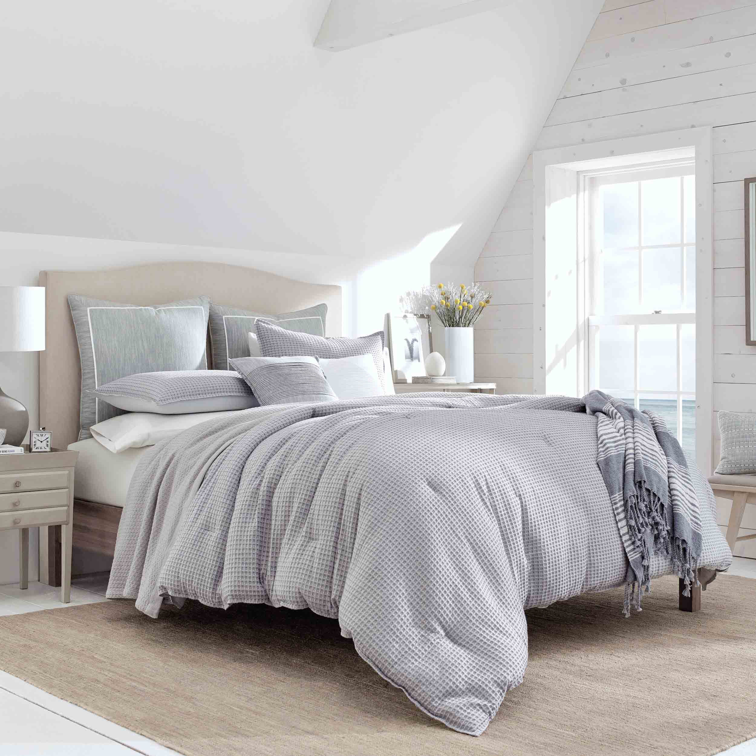 ballastone comforter set in grey