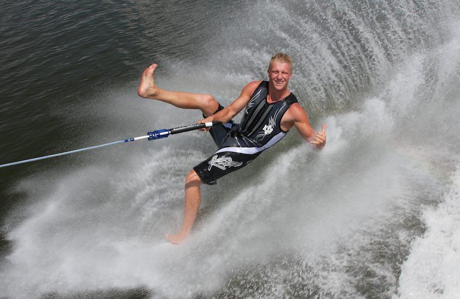 water ski barefoot 2