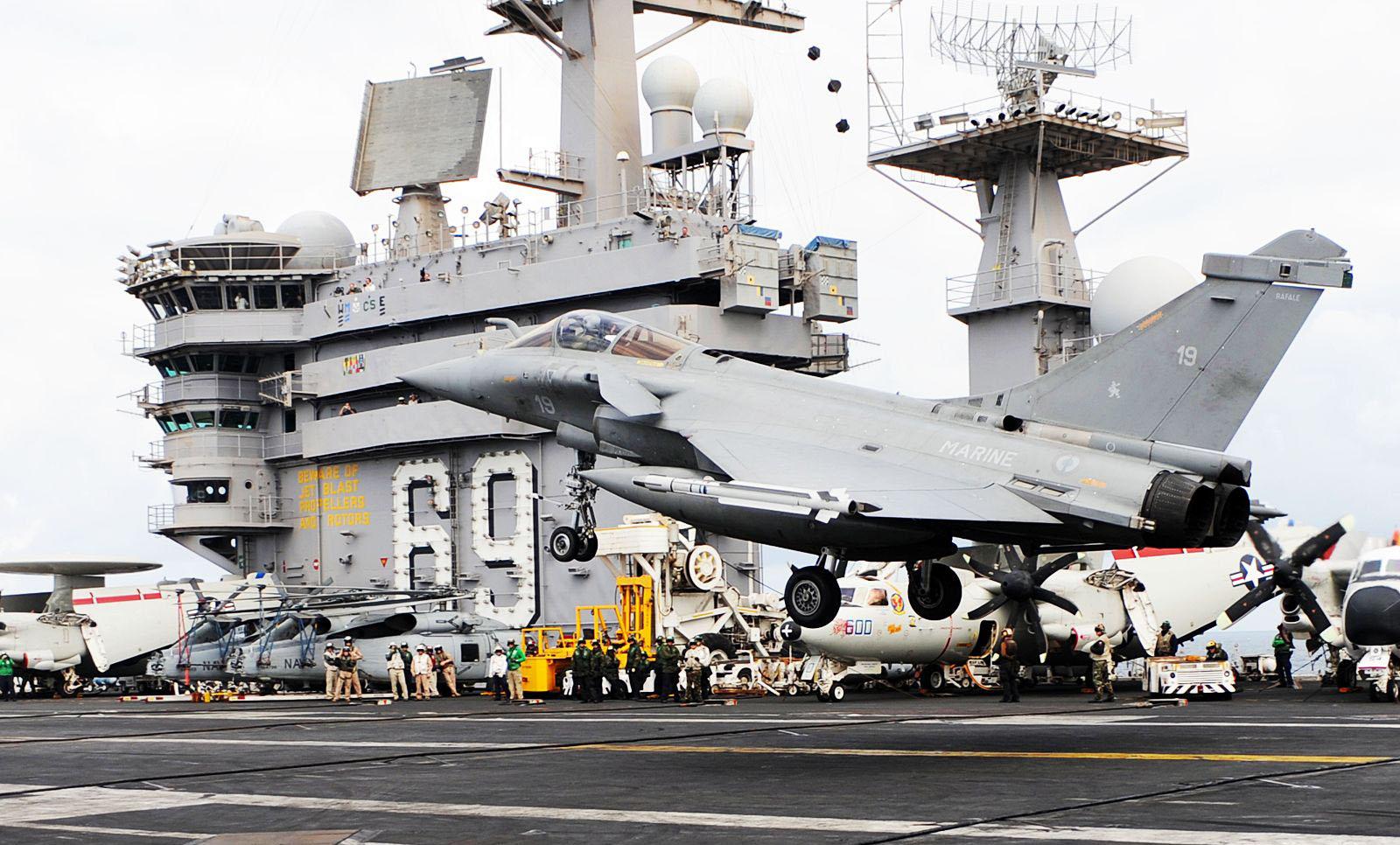 https://i1.wp.com/www.naval.com.br/blog/wp-content/uploads/2009/07/rafale-eisenhower-2.jpg