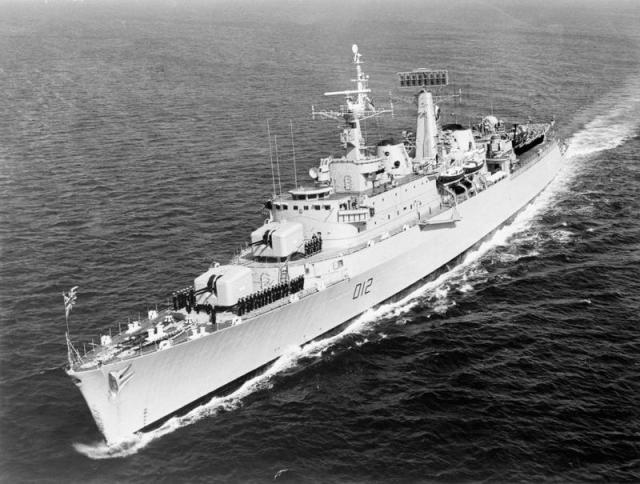 [Imagen: HMS_Kent_c1963_IWM.jpg?resize=640%2C484]