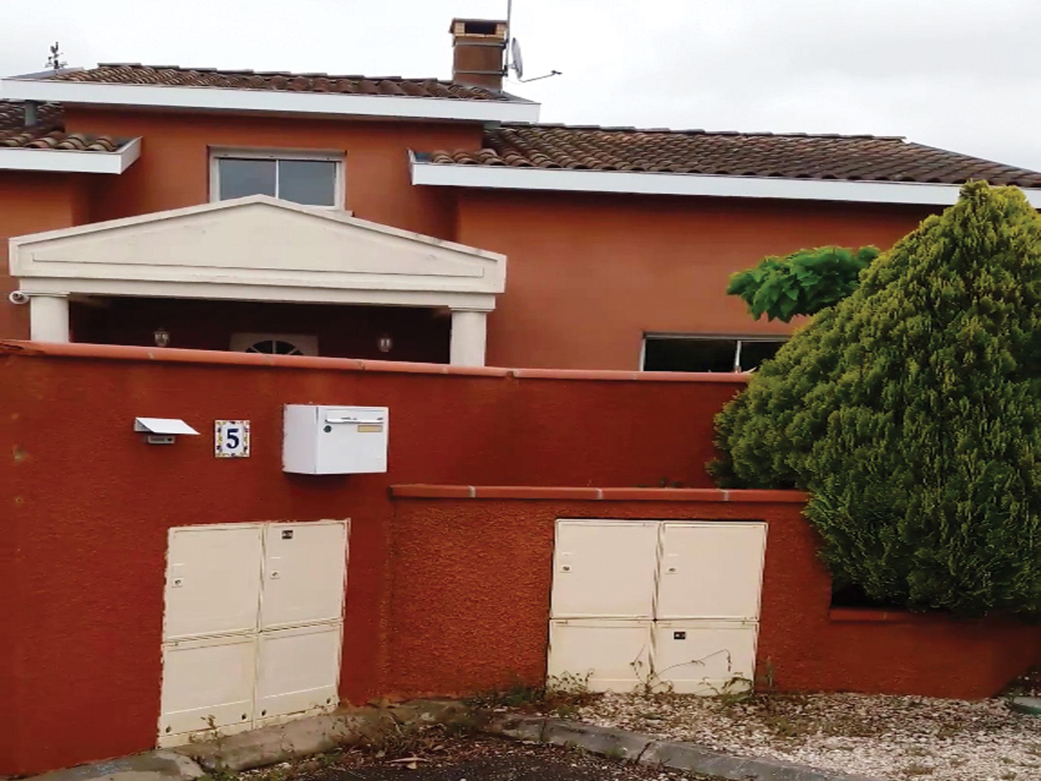 Nettoyage-murs-clôture-terrasse-toit