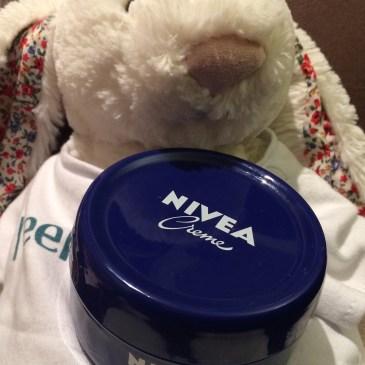 イギリスでスキンケア ニベア青缶使用感想その一