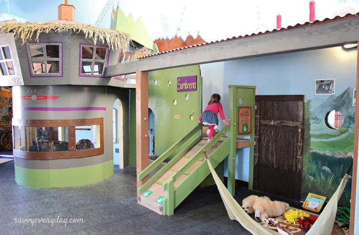 village hut_kidszone