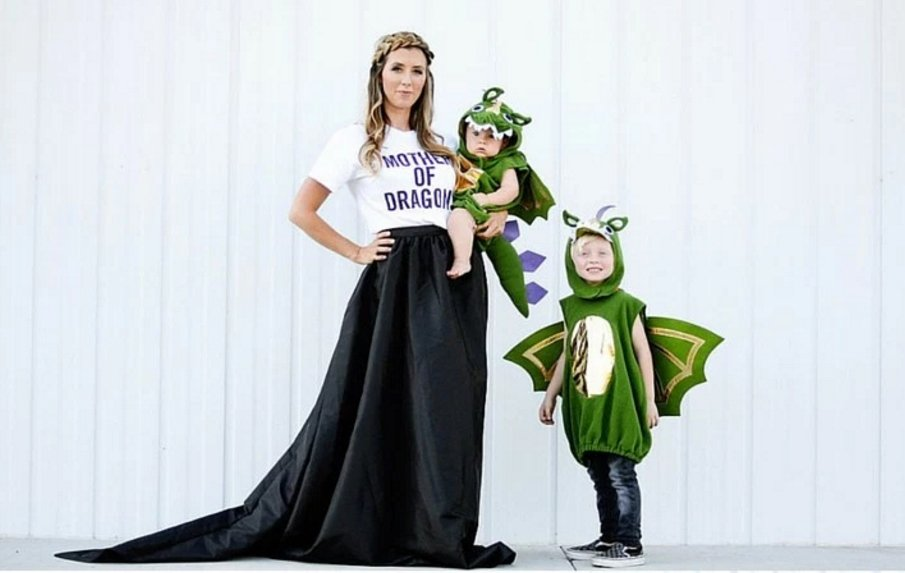 8 Clever Family Halloween Costumes You'll Want to Try This Year