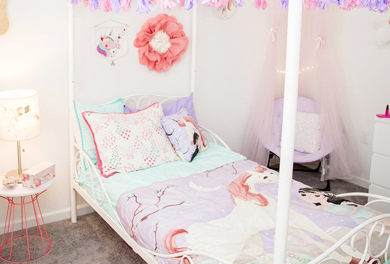 bright and pretty unicorn room
