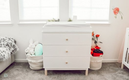 changing table between shared spaces