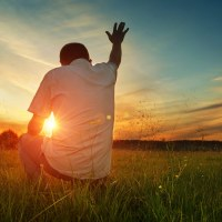 Prepare Your Mind: The Battle for Shalom | The Navigators Bible Study Resource | Man praying to God