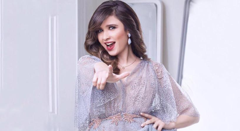 ياسمين عبدالعزيز تعلن انفصالها عن زوجها نواعم