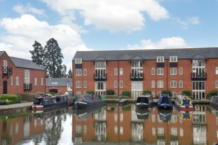 Flat overlooking Market Harborough Union Wharf canal basin