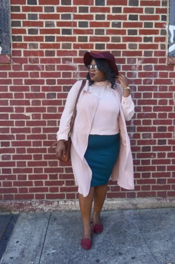 plus size black girl wearing fall pink and green outfit