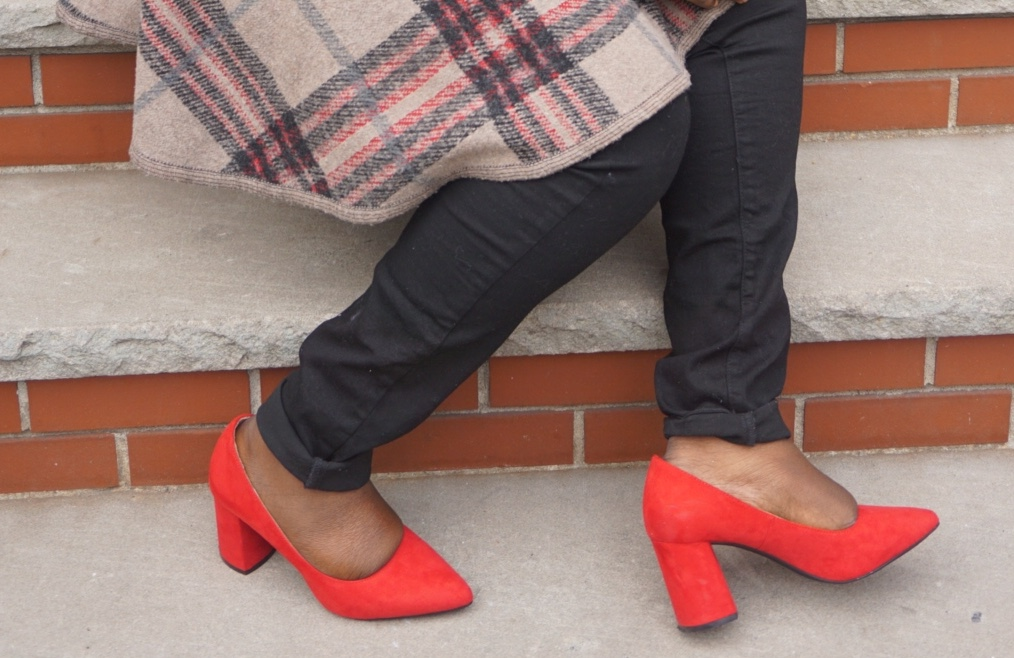 wearing the perfect heel shoe by Red Rosewell Pump by Kelly and Kaitie