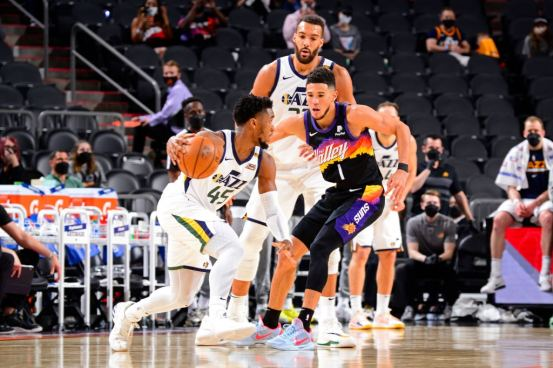 Donovan Mitchell scored 41, but Jazz fell to Phoenix in overtime