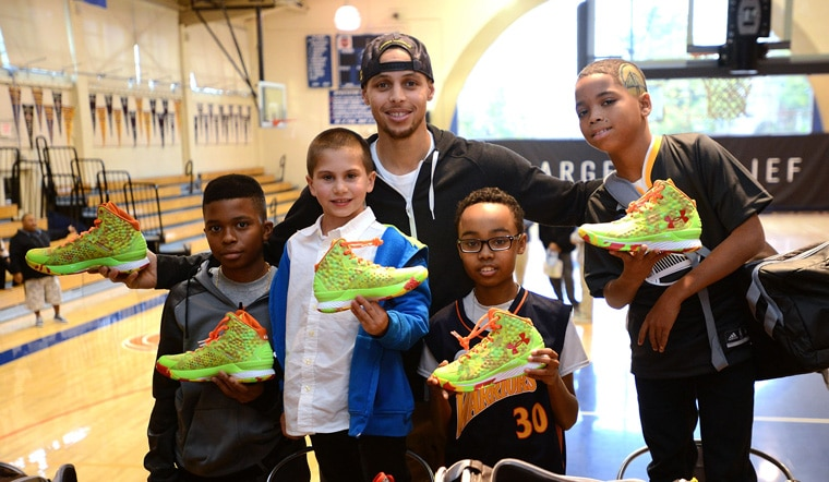 Stephen Curry Andrew Bogut Host Make A Wish Youth For Warriors Wish Week Golden State Warriors