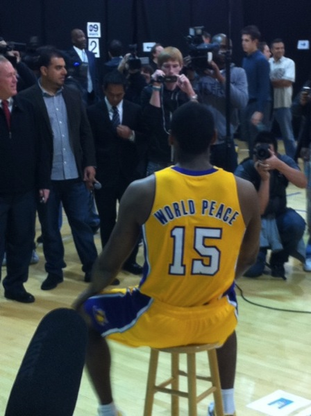 Ron Artest es World Peace