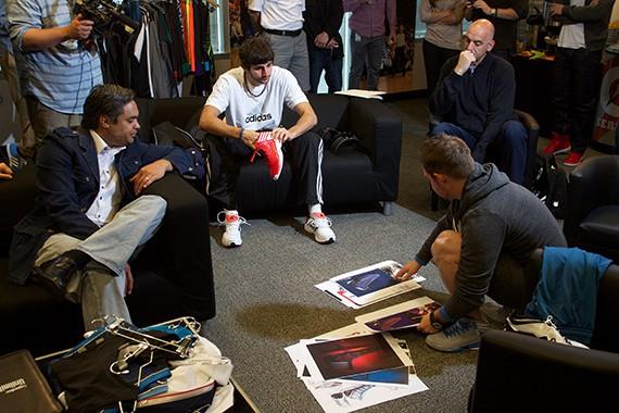 Ricky Rubio en la base de adidas en Portland