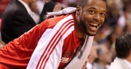Marcus Camby quiere jugar la temporada que viene en la NBA