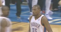 Kevin Durant anota 42 puntos y los Thunder ganan a Houston