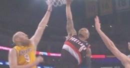 Vídeo: Gran mate de Damian Lillard penetrando en la zona de los Lakers