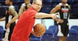 Andy Greer y Nick Nurse podrían acompañar a Steve Kerr en el banquillo de Golden State Warriors