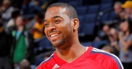 Josh Powell: Del staff de los Rockets a jugar con los Bucks
