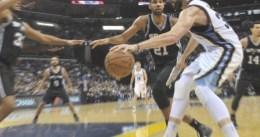 Los Spurs terminan con la racha de los Grizzlies gracias a un triple-doble de Duncan