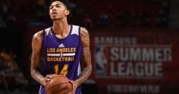 Ingram termina lesionado en la primera derrota de Lakers
