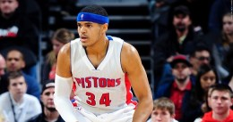 Tobias Harris abusa de los New York Knicks