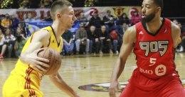 Los Rockets cortan a Jarrod Uthoff