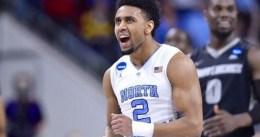 North Carolina campeón de la NCAA bajo un festival de faltas