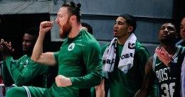 Irving y Brown dan la 15ª victoria seguida a los Celtics
