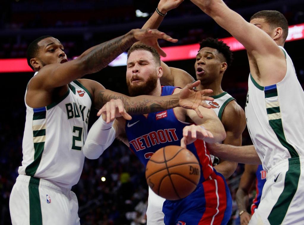 Bucks pasa a semifinales dejando fuera a Pistons