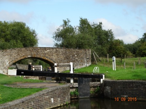 "This is followed by Aynho weir lock which is a diamond shape. It only rises and falls 12"" but acts as extra capacity for Somerton Deep lock which comes next"