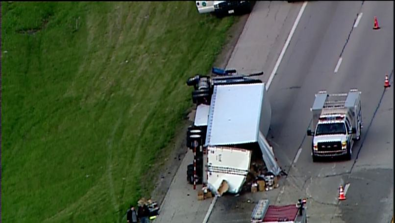 One lane reopens after semi-trucks crash on I-71NB near Fayette